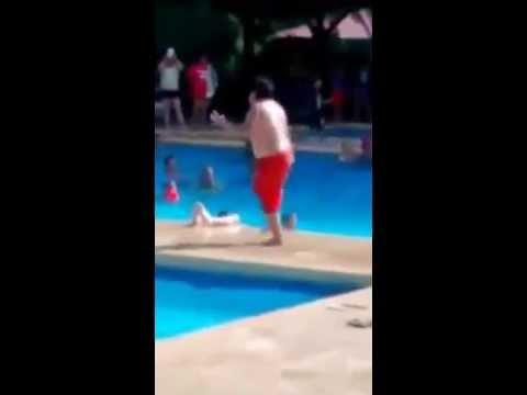 Kid does funny Cuban dance by the pool