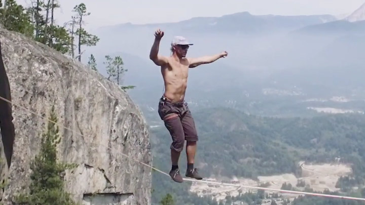 World record for the longest free solo slackline