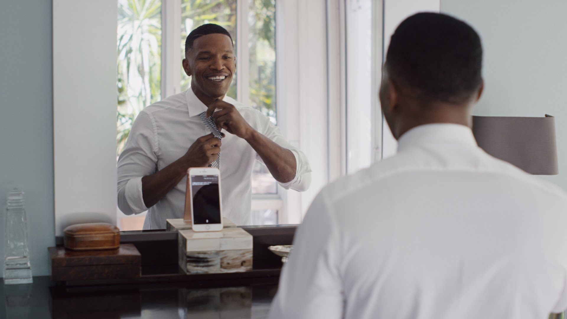 Crush iPhone 6s commercial with Jamie Foxx